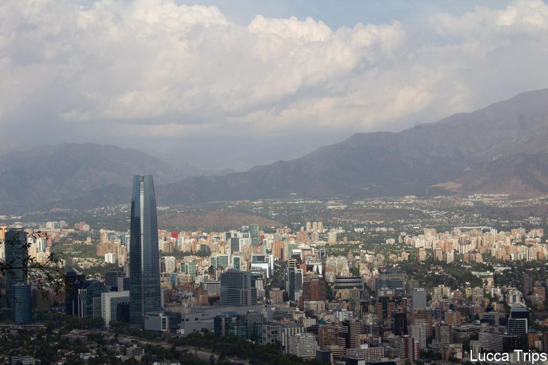 Topo do Cerro San Cristóbal em Santiago do Chile
