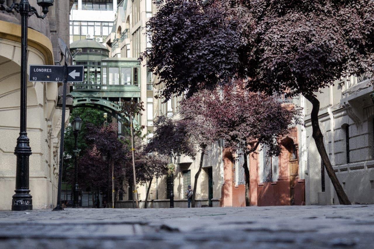Bairro Paris/Londres: Você Precisa Conhecer Este Ponto Turístico Em Santiago, Chile